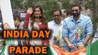 Newyork Parade - Raveena Tandon and Sunny Deol at Newyork India Day Parade!