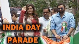 Newyork Parade - Raveena Tandon and Sunny Deol at Newyork India Day Parade!