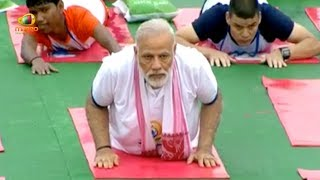 PM Modi at Mass Yoga Demonstration on the Occasion of International Yoga Day in Lucknow | Mango News - MANGONEWS