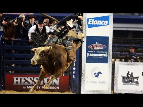 WINNING RIDE: J.B. Mauney wins THE AMERICAN with 90.5-points on Cowtown Slinger