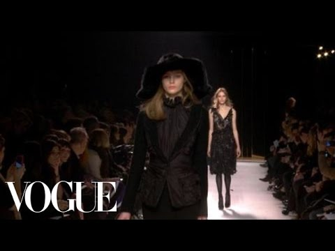 Nina Ricci Fall 2011 Ready-to-Wear