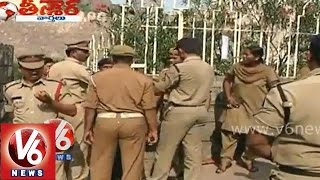 Police officers cheated by a lady constable - Teenmaar News - V6NEWSTELUGU