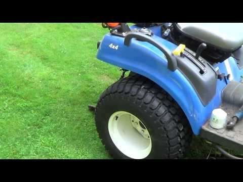New Holland 4WD Compact Tractor Boomer Series 1025 - 7/24/2013