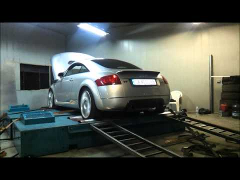 Audi TT R32 GT42 in action! Madness Mototsport