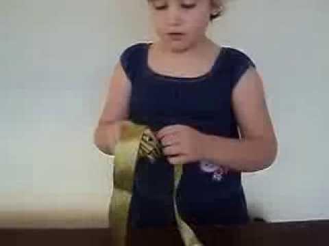Como fazer um buque de flores de fita de setim