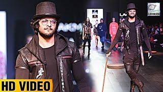 Ali Fazal Looks Handsome At Lakme Fashion Week 2017 | Lehren TV
