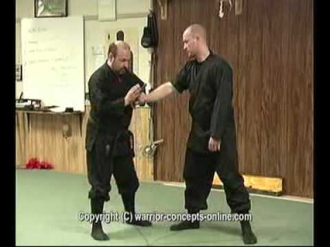 Ninjutsu Knife-Defense Technique - Break His Damned Hand!