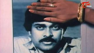 Chiranjeevi Romance with  Bhanu Priya || Best Romantic Scene of Tollywood #123 - TELUGUONE