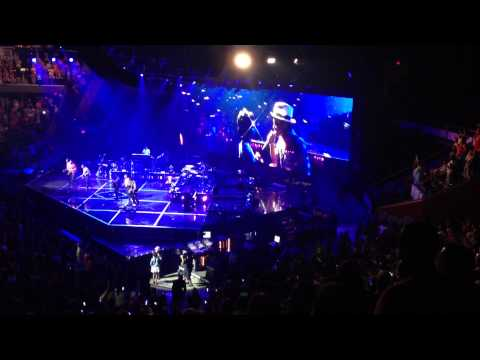 Bruno Mars Serenades Brain Injury Victim