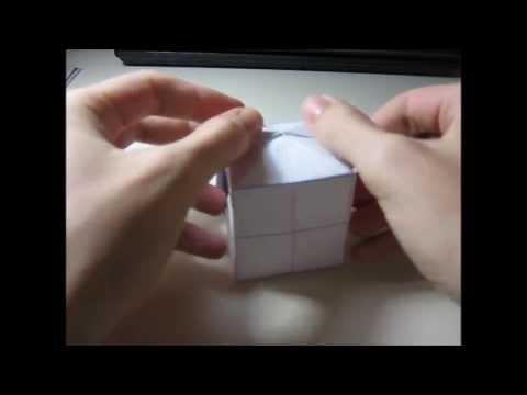 Construindo um cubo com dobraduras a partir de um quadrado de papel