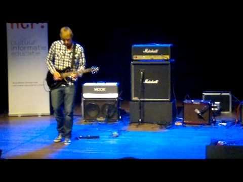Winnaar Nacked Tracks Rory de Kievit op Steve Vai Festival Oosterpoort
