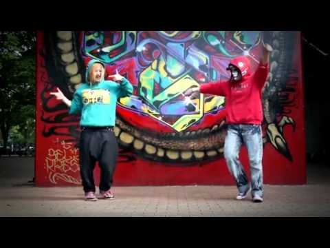 Watsuki and Chi-Chan Matryoshka Dance Cover