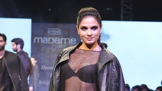 Watch Richa Chadda's bold avatar on the ramp - BOLLYWOODCOUNTRY