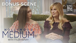 Melissa Gisoni Gets Closure From Late Mother | Hollywood Medium with Tyler Henry | E! - EENTERTAINMENT