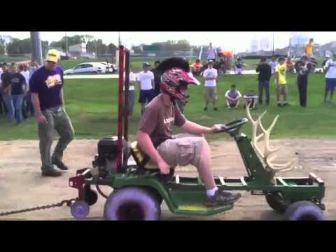 2012 NW Iowa Tech Fair Junkyard Tractor Pull