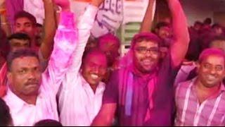 Colours of Holi as Prithviraj Chavan wins Karad South - NDTV