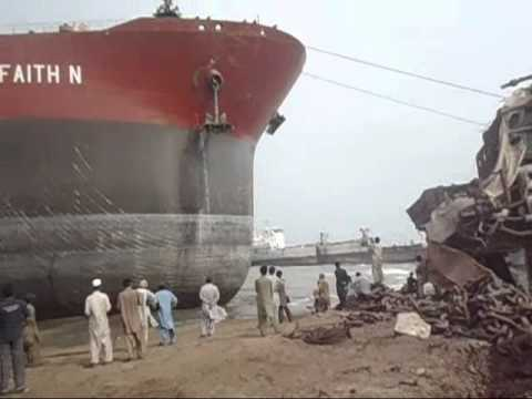 Ship Beaching Ore Carrier M.V FAITH N.wmv