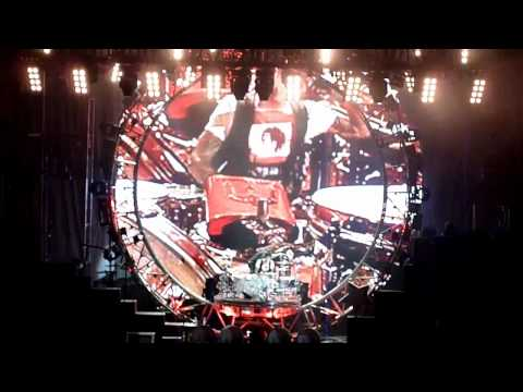 Motley Crue at Hollywood Bowl 6-14-2011   Tommy Lee's Drum solo