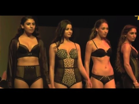 Hot Models Walk The Ramp In Sexy Lingerie