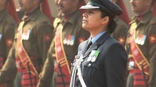 Wing Commander Pooja Thakur leads the Guard of Honour for US President - TIMESNOWONLINE
