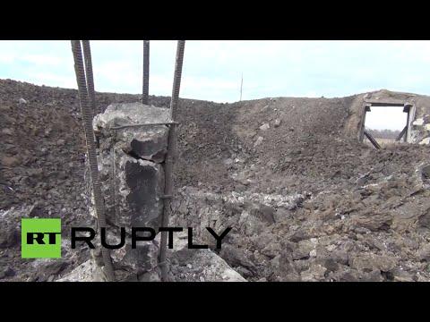 El enrome cráter que dejó un misil balístico en una planta química en Donetsk