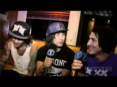 TSUSA TV: Pierce The Veil