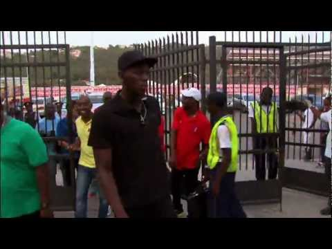 Usain Bolt - Not Recognised & Locked Out By Guard!