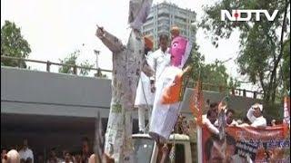 दिल्ली में बीजेपी नेताओं का मटका फोड़ प्रदर्शन - NDTVINDIA