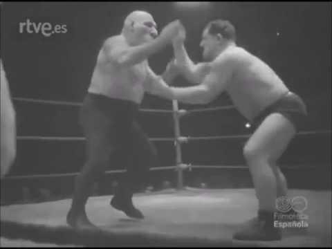 Popularność Maurice'a rozlała się z Bostonu na cały świat. Tu podczas walki w Barcelonie w 1948 roku.