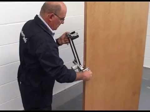 Gabarito para furação de portas: Fechaduras eletrônicas