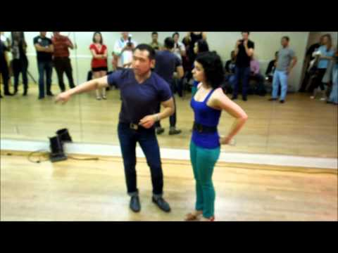 Jimmy Yoon & Luz Rodriguez Salsa ON2 Demo at Mr. Mambo's Salsa Social