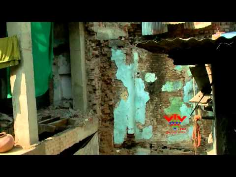 VTV- WALL COLLAPSE IN DELHI CHAKLA AREA, AHMEDABAD