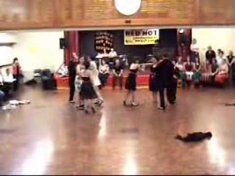 Lindy Hop dancing zip gun bop demo