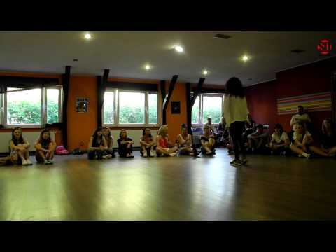 Dancehall Camp Jam 2013 - 1/4 Dancehall 1vs1 - Ania Dancehall Mafia vs Ada Masta Step Crew