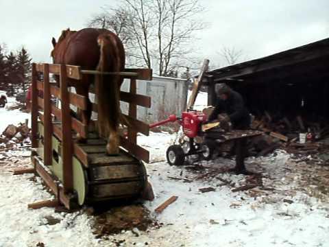 Draft Horse Powered Treadmill woodsplitter 014.AVI