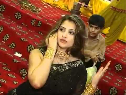 Mehndi Dance Karachi 2 By Raja Maroof  mp4   YouTube