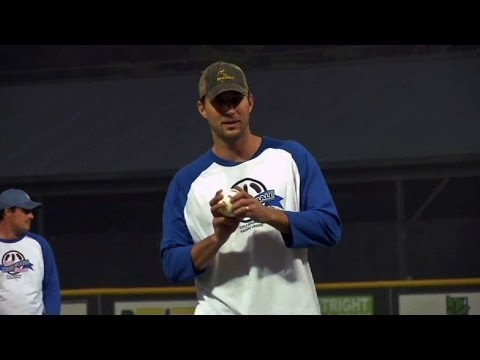 Wainwright pitches at charity Wiffle ball game