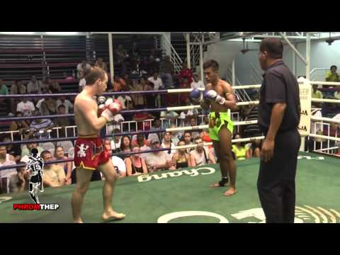 Brutal Muay Thai Fight Lots of Elbows & Blood