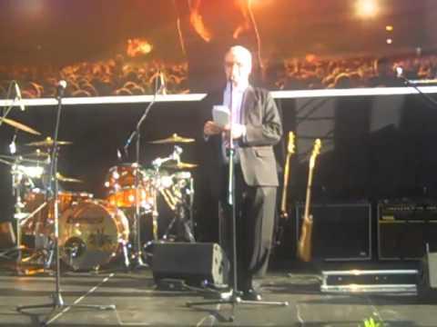 Ambasador przemawia po polsku