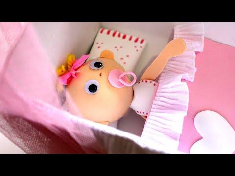 fofucha bebe con cuna de foamy o goma Eva