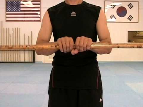 Martial Arts Bo Staff Techniques # 6 : Spinning Movement (taekwonwoo)