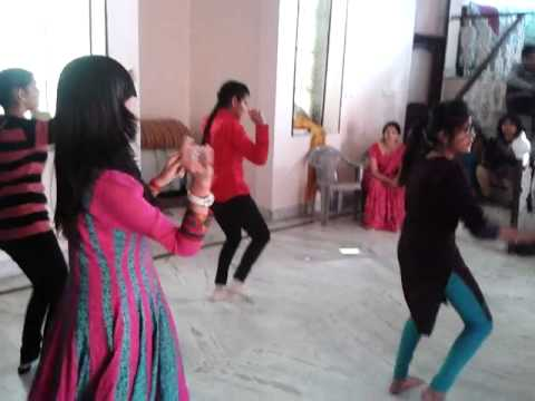chhamak chhallo + jhalla wallah + second hand jawani: Dance Training by Deepak Negi