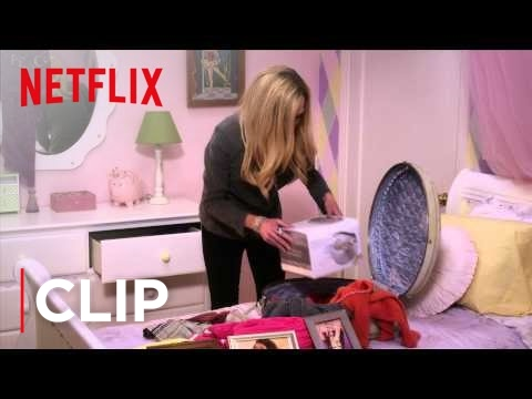 Arrested Development Season 4 Clip - Lindsay's Suitcase [HD]