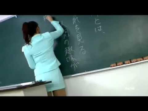 Profesorica izvodi striptiz