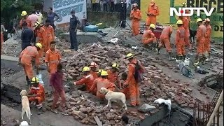 गाजियाबाद: मसूरी इलाके में एक निर्माणाधीन इमारत गिरी - NDTVINDIA