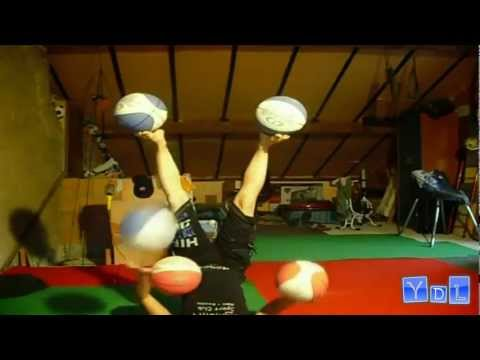 Girl Juggles Five Balls With Her Hands And Feet || YDW