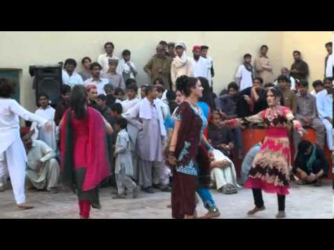 Best Dance of SAHAR GULi bannu 2013