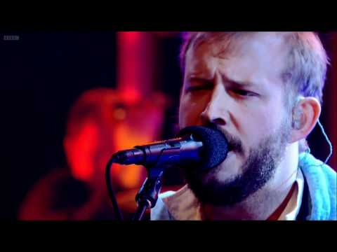 Bon Iver - Towers - Live on Jools Holland 2011 [HD]