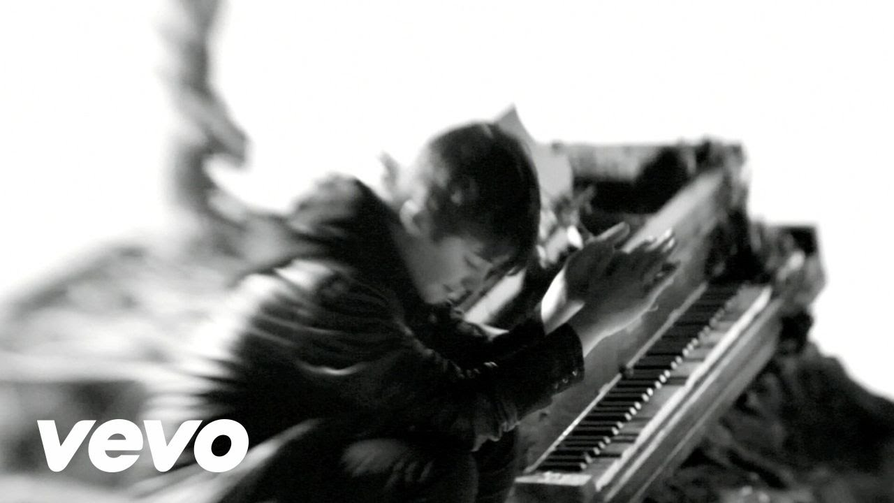 Greyson Chance - Hold On Til The Night Music video by Greyson Chance performing Hold On Til The Night. (C) 2011 Geffen Records