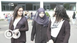 German state mulls headscarf ban for girls under 14 | DW English - DEUTSCHEWELLEENGLISH
